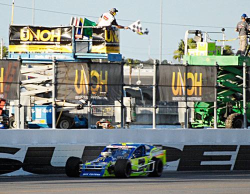2013-Larson-wins-BatBeach-qualifier.jpg